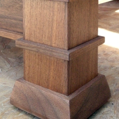 View of the footing structure on the table legs.