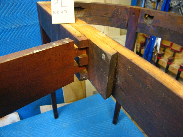 Crd table base frame knuckle joint of fly leg